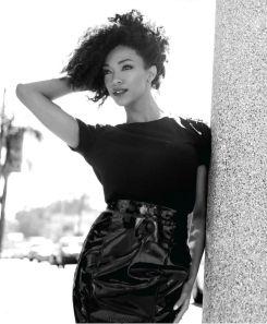 actress-Sonequa-Martin-Green-09