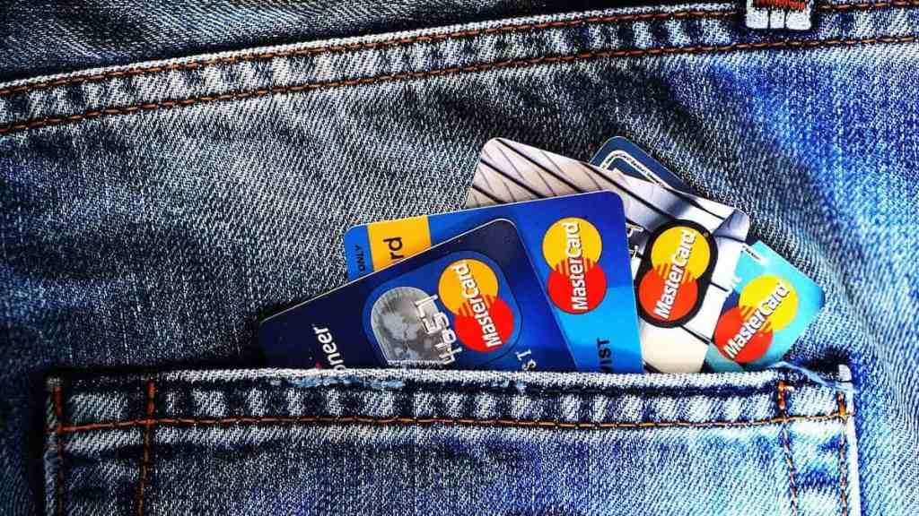 Best Credit Card Features for 2021: Our [TOP 10 List]