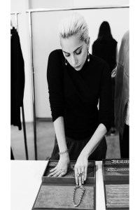 Lady-Gaga-behind-the_4273