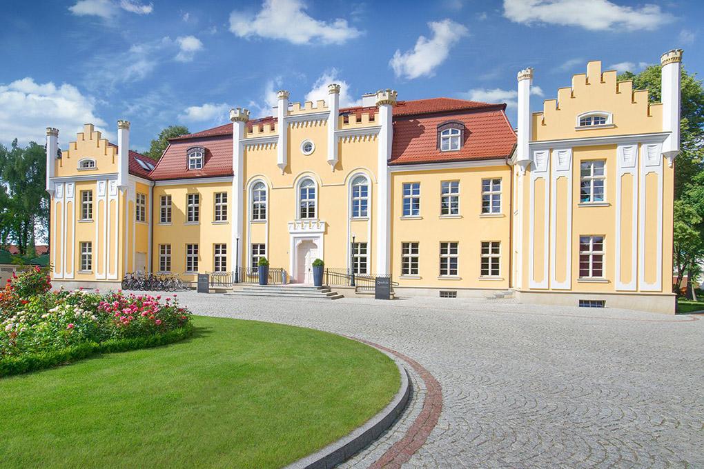 Quadrille, Poland, Relais & Chateaux