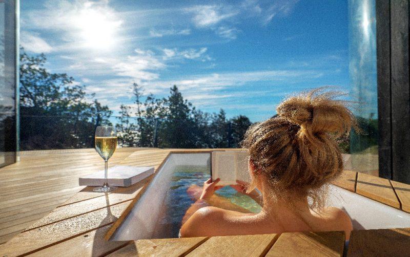 Freycinet Coastal Pavilion, Tasmania, outdoor bath, luxury accommodation in Tasmania