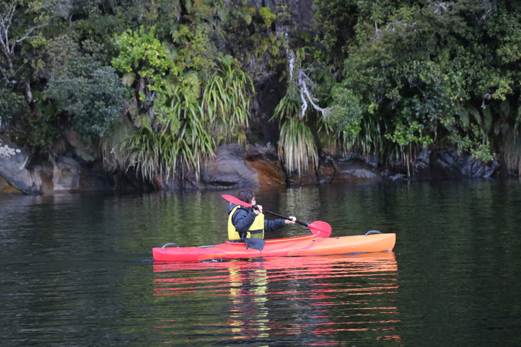 Kayaking Milford Sound, Milford Sound, Fiordland Jewel, cruising Milford Sound, Fiordland Discovery