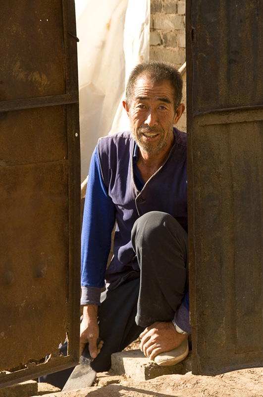 Pingyao, China, Portrait photography, faces of people in places, Danielle Lancaster