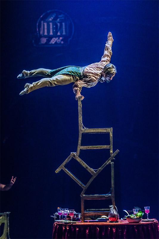 Kurios, Cirque du Soleil, Upside Down Word, Sydney
