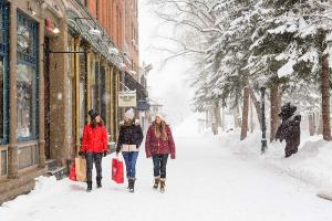 Snowmass, Aspen Snowmass, skiing in Colorado, snow holiday, luxury snow holiday