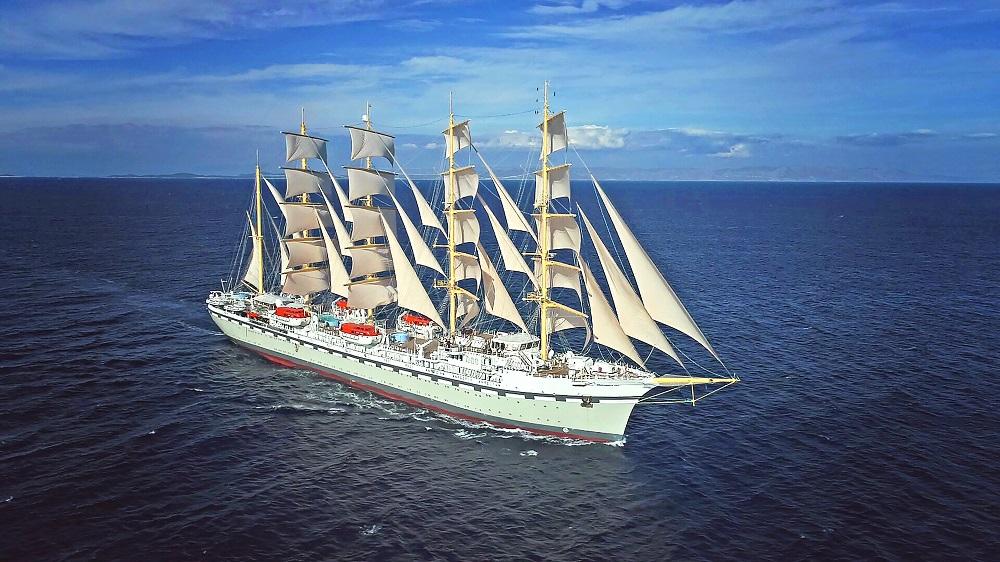 Golden Horizon, traditional sailing ship, Cruise Traveller