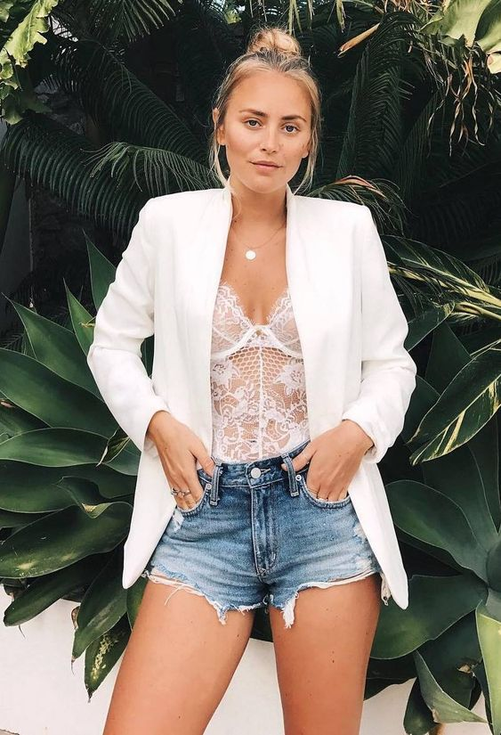 White blazer, shorts and white camisole outfit. Casual Womens Fashion and Womens Cool Trending Clothes, Dresses. #womensfashion #womensdress #summeroutfit #casualoutfit