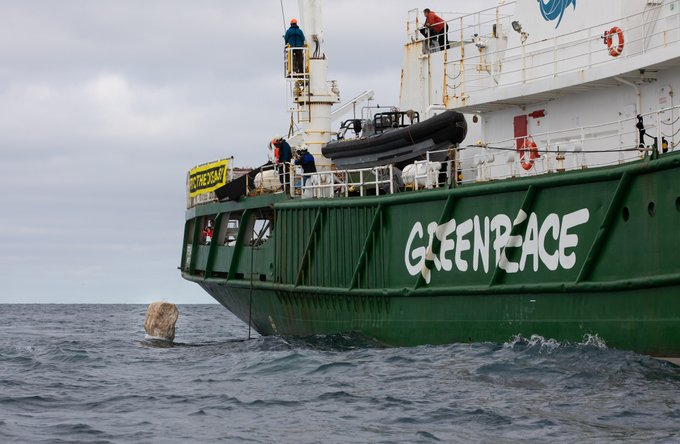 Greenpeace dumping three-tonne boulders in the Dogger Bank Marine Protected Area