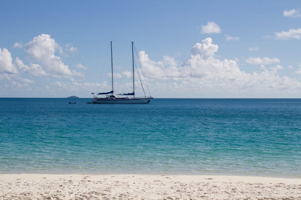 Sailing Whitsundays and snorkeling the Great Barrier Reef are two of the most popular activities in Australia. What if you could combine both in one trip? Read more at www.thefivefoottraveler.com