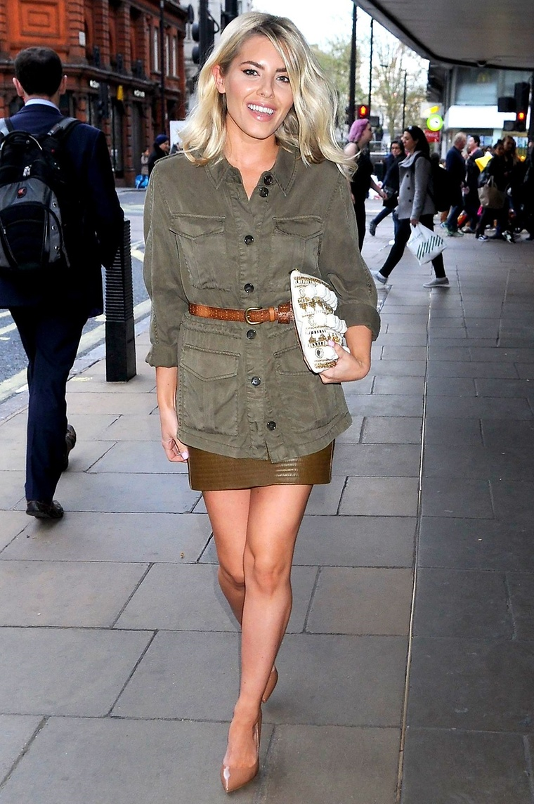 sunday girl mollie king the fix