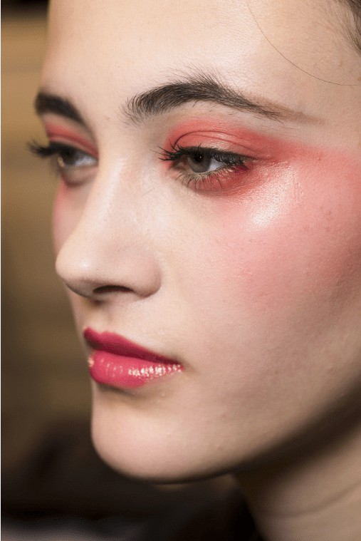 Feelin' peachy – The Make-Up Look We Are Diggin'
