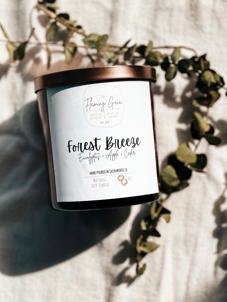 forest breeze candle photo.