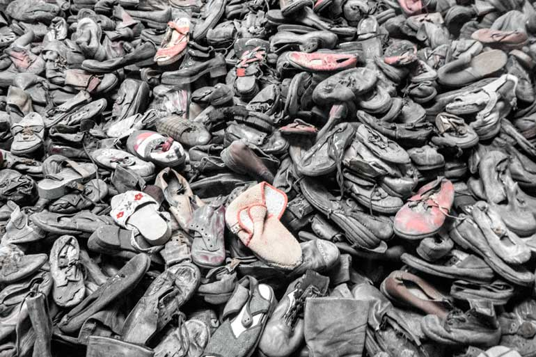 auschwitz-shoes