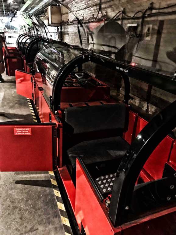 rail-mail-london-carriage