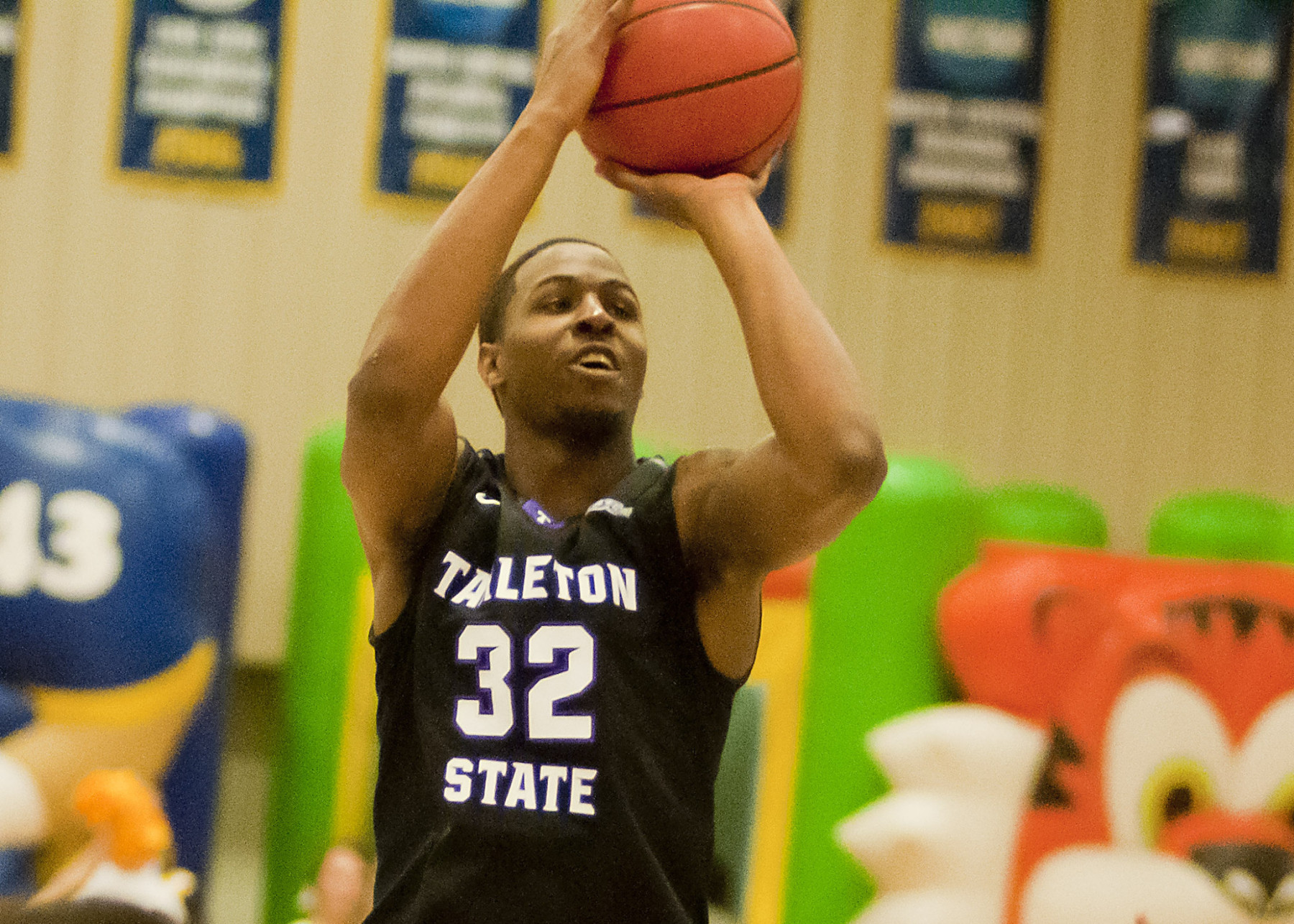 Tarleton State and TaShawn Mabry are aiming for a sixth straight win tonight when they visit Midwestern State. | Photo courtesy NATHAN BURAL/Tarleton