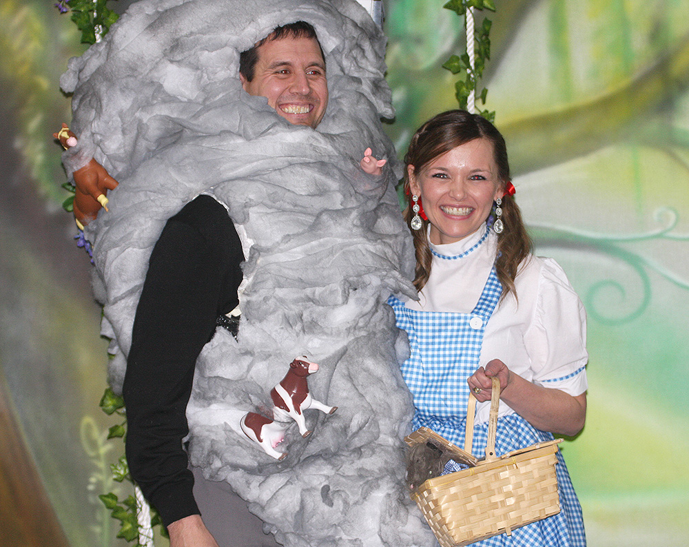 Costume Contest - Westley and Crystal Rose