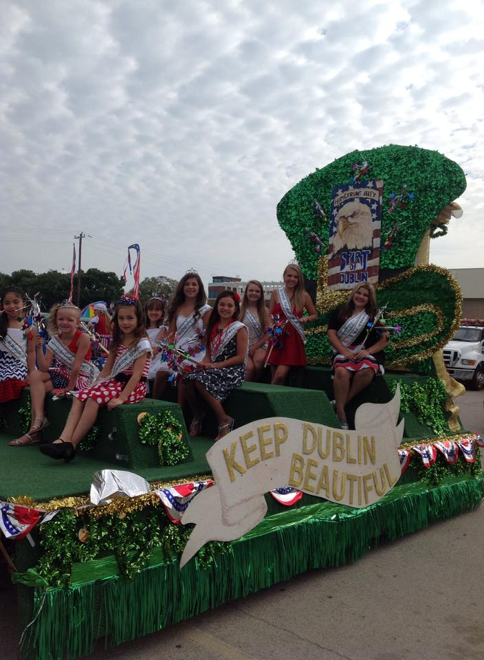 Miss Dublin KDB parade float. || Flash File Photo