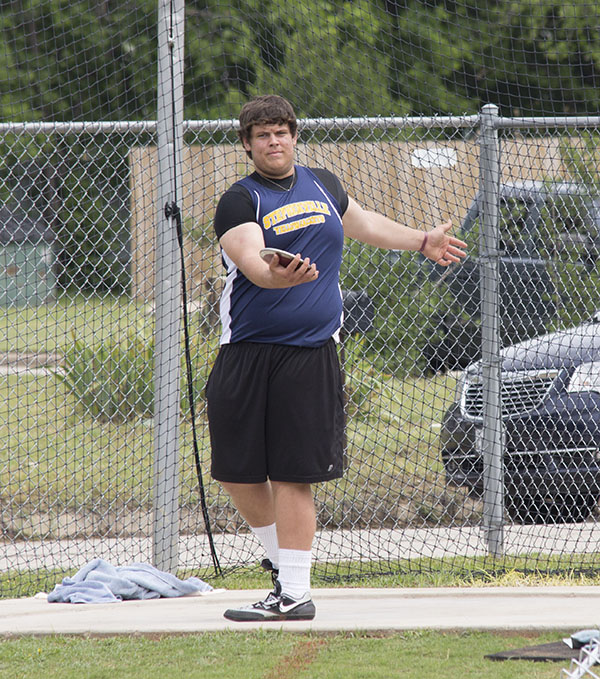 Cameron Reynolds competes in the discus after advancing to regionals in the shot put. || Courtesy Dr. CHET MARTIN