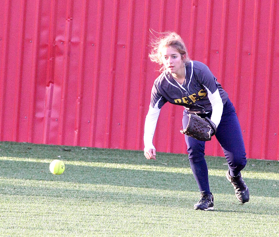 Stephenville and outfielder Jamie Merrill take on Burkburnett in a best-of-three bi-district playoff series beginning Friday evening in Graford.    BRAD KEITH/TheFlashToday.com