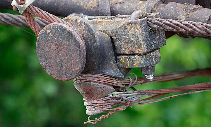 An example of one of the bridge's cable problems.