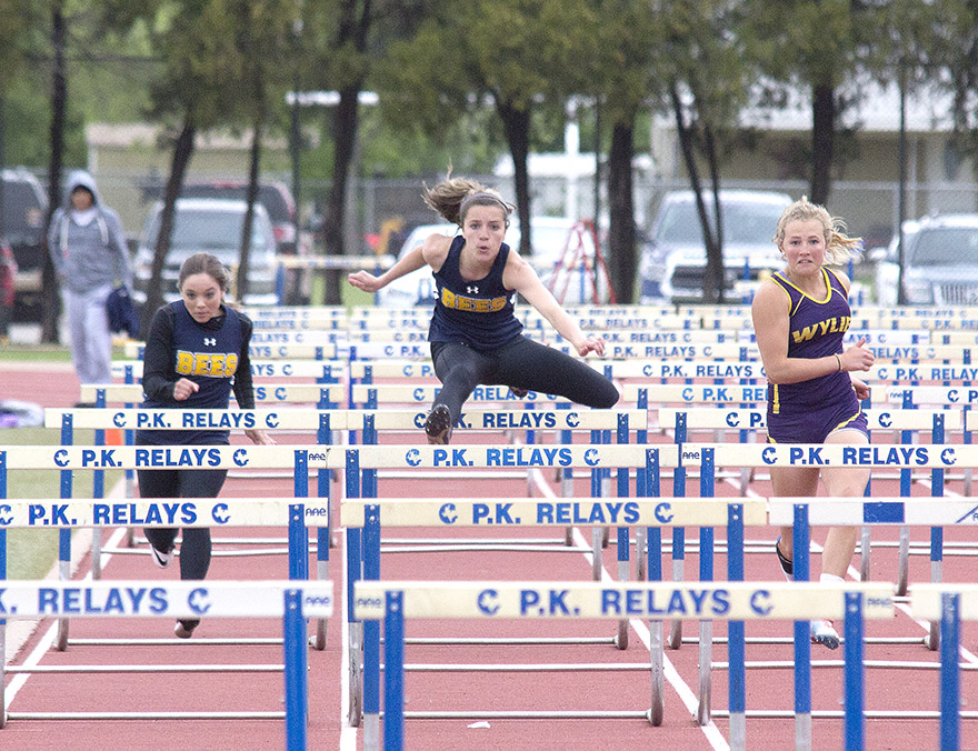 girls hurdles