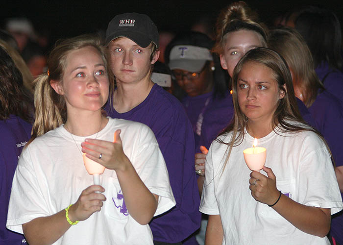 Convocation and candles 04