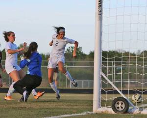 Bees-Bwood Soccer 26