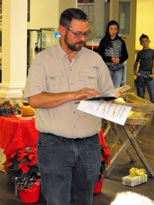 Mulberry Manor Christmas Pastor Kory Koch reads Scripture 1