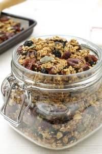 Quinoa Granola with Maple Syrup & Pecan [vegan] by The Flexitarian