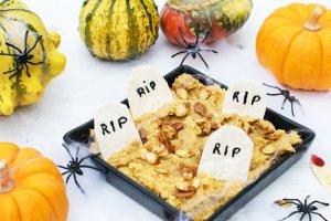 Halloween Pumpkin Hummus [vegan] by The Flexitarian