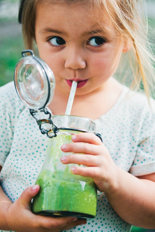 Kids Greenie Smoothie [vegan] by Green Kitchen Stories
