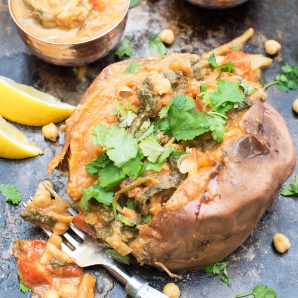 Baked Sweet Potato with Spinach Chana Masala [vegan] [gluten free] by The Flexitarian