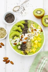 Tropical Green Smoothie Bowl [vegan] [gluten free] by The Flexitarian