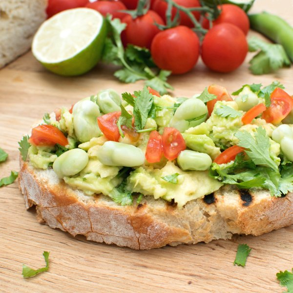 Smashed Avocado & Broad Beans Toast [vegan] by The Flexitarian