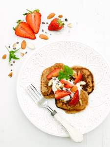 Strawberry Ricotta Pancakes[vegetarian] by The Flexitarian