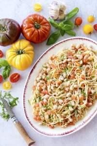 Garlic & Tomato Pasta [vegan] by The Flexitarian