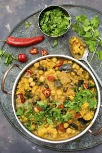 Cauliflower and Aubergine Curry [vegan] [gluten free] by The Flexitarian © Annabelle Randles