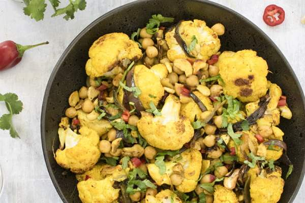 Turmeric Roasted Cauliflower by The Flexitarian © Annabelle Randles - Le Flexitarien
