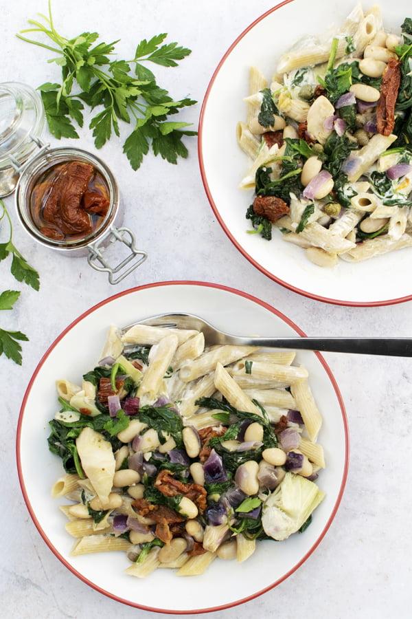 Spinach & Artichoke Creamy Pasta [vegan] 2020 © Annabelle Randles | The Flexitarian