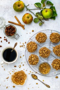 Apple Crumble Muffins [vegan] by The Flexitarian