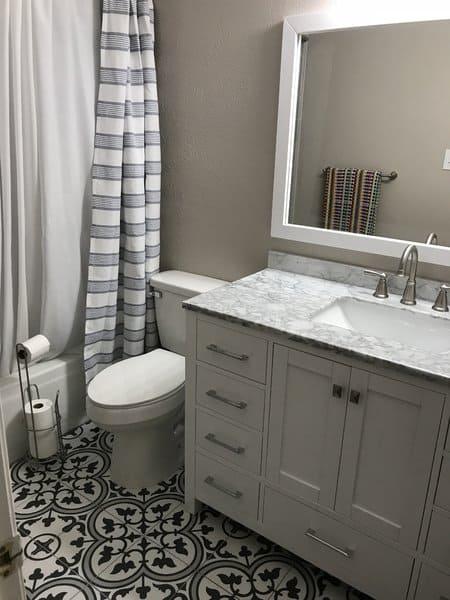 21 Modern Farmhouse Style Bathrooms for a Rustic Shabby ... on Rustic Farmhouse Bathroom Tile  id=75802