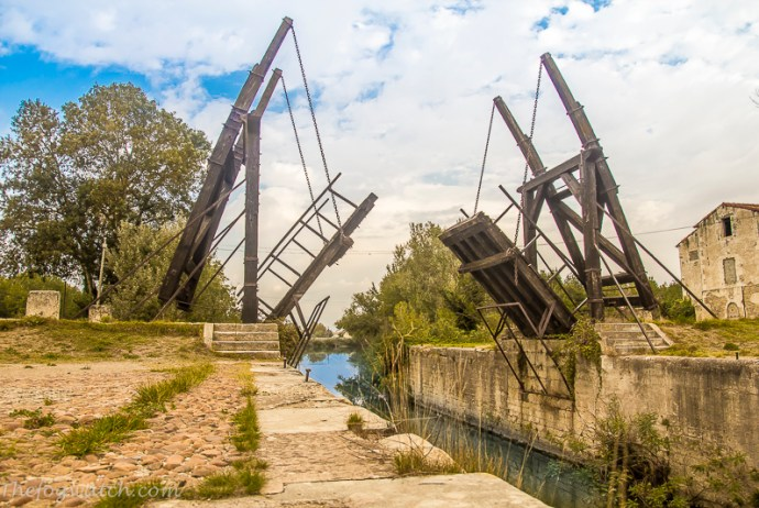 pont de Van Gogh, Arles France. [photo Jerry Everard]