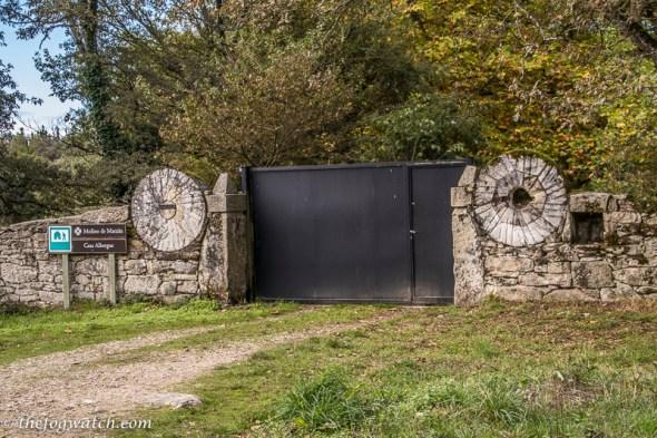 millstone gate posts