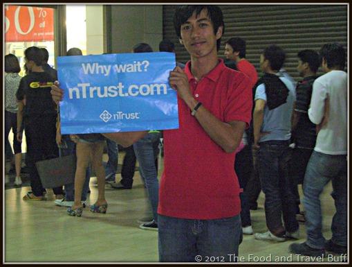 ntrust-long line of people