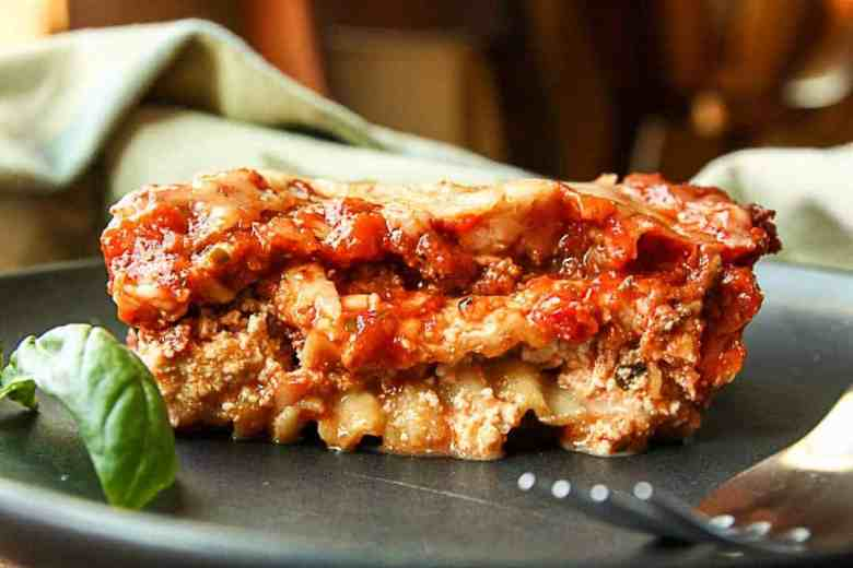 Best Lasagna with Meat Sauce-3