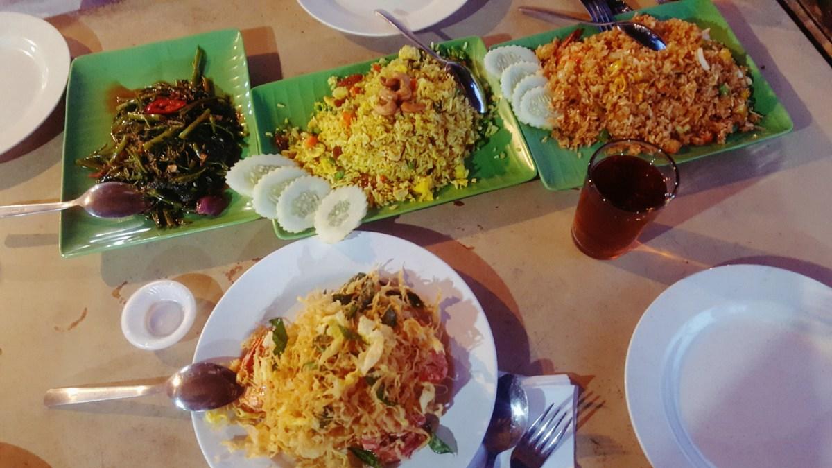 Veg Fish Farm Thai Restaurant @ Hulu Langat, Ampang - A delightful experience. Yum :)