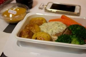 Qantas economy food