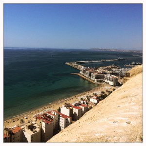 Alicante - Cloudless skies, turquoise and emerald beaches