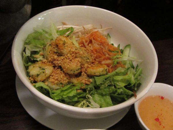 vermicelli-bun-noodle-salad-lemon-grass-chicken-banh-mi-bay