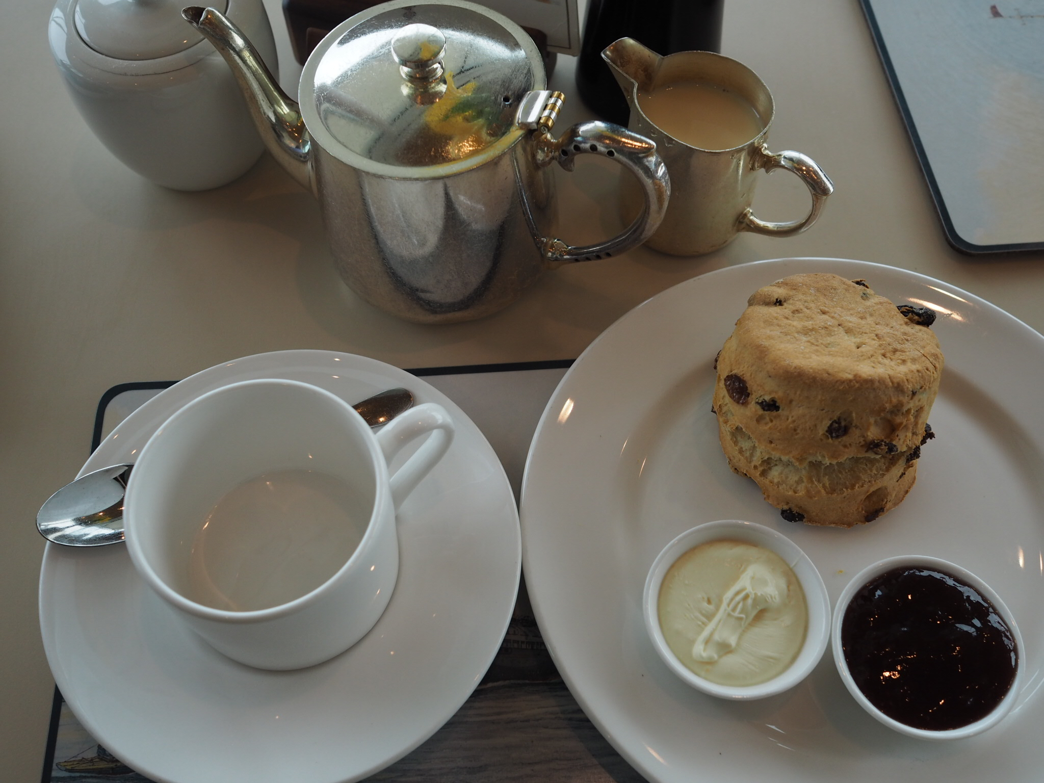 The-Royal-Britannia-Royal-deck-tea-room